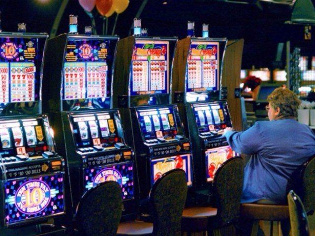 Играть бесплатно в игровые автоматы на сайте казино Адмирал