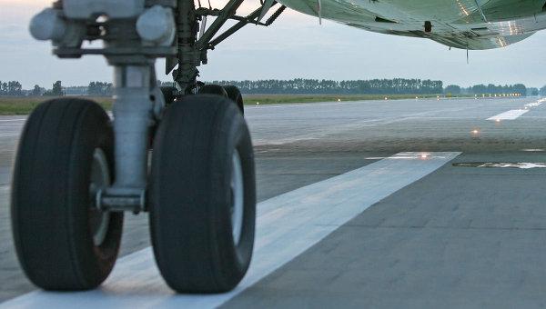 Літак Delta Airlines здійснив вимушену посадку через дебошира