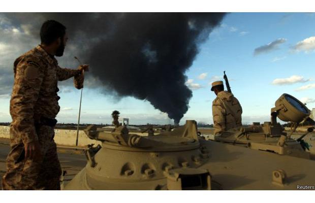 Місто Місурата бомбить лівійська військова авіація