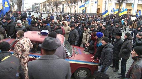 Губернатор Вінниччини закликав мітингувальників звільнити будівлі та почати переговори