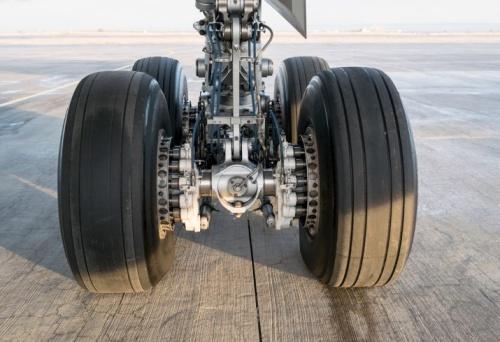 Літак, що летів з Пермі, після посадки викотився за межі посадкової смуги
