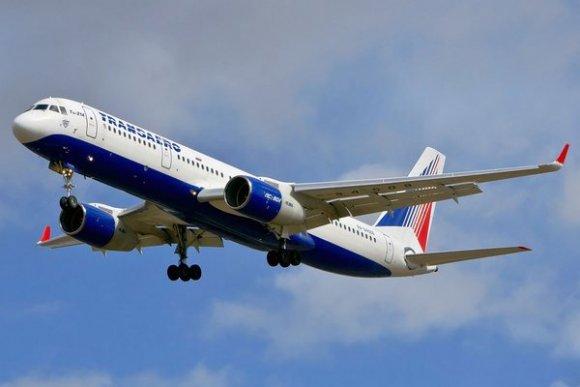 В аеропорту «Байкал» Ту-214 ледь не заїхав у замет