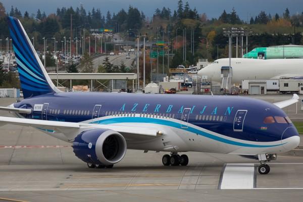 Перший літак Boeing Dreamliner 787 доставлений в Азербайджан
