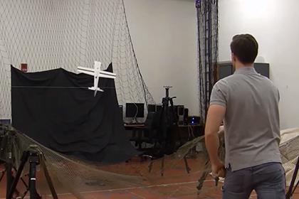 Беспилотники научились садиться на линии электропередач для подзарядки (видео)