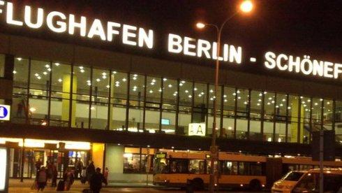 В Берлине из-за пьяного пассажира, который угрожал бомбой, экстренно сел самолет