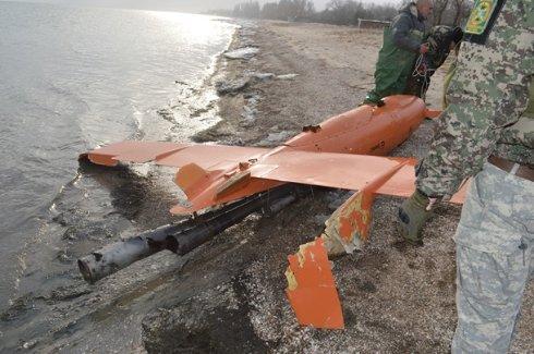 В Азовском море выловили сбитый беспилотник