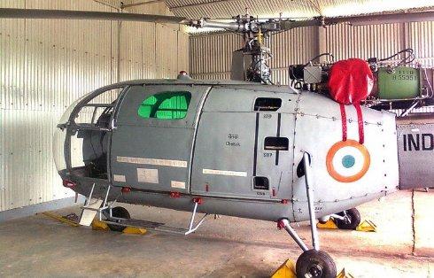 На востоке Индии разбился военный вертолет