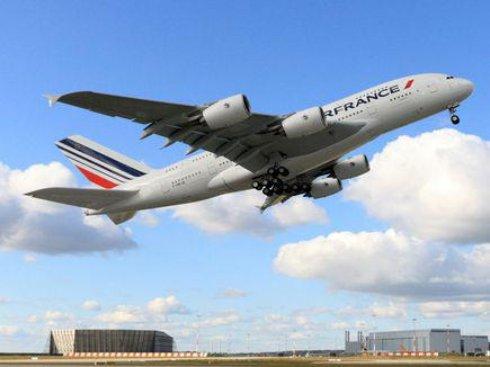 Пассажиров Air France не довезли до Парижа из-за усталости пилота