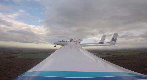 Создан первый в мире самолет с гибридной силовой установкой