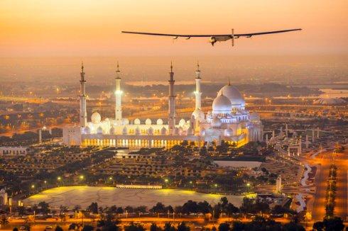 Самолет на солнечных батареях начинает кругосветку