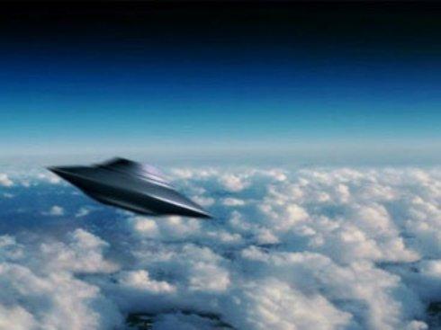 Жительницу Британии разбудили шумные НЛО (Видео)