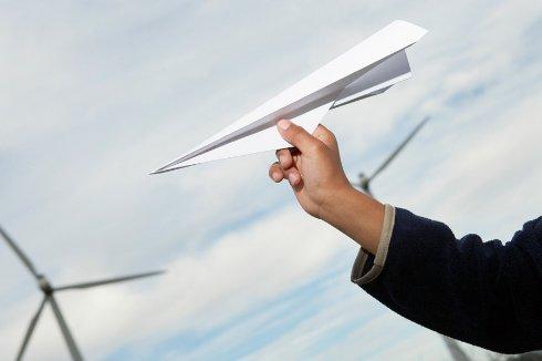 Чемпионат по запуску бумажных самолетиков пройдет в России