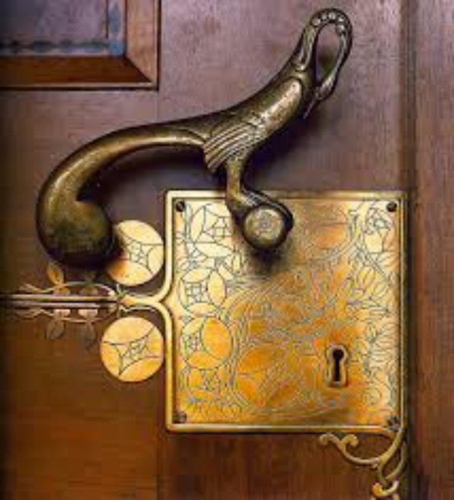 Дверная ручка, как стильный аксессуар в вашем доме