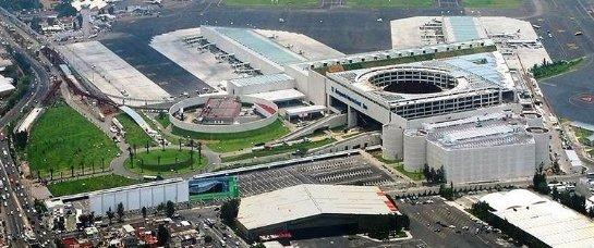 Работа аэропорта Мехико глазами дрона (ВИДЕО)