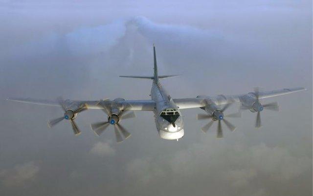 Американские истребители перехватили пять российских бомбардировщиков