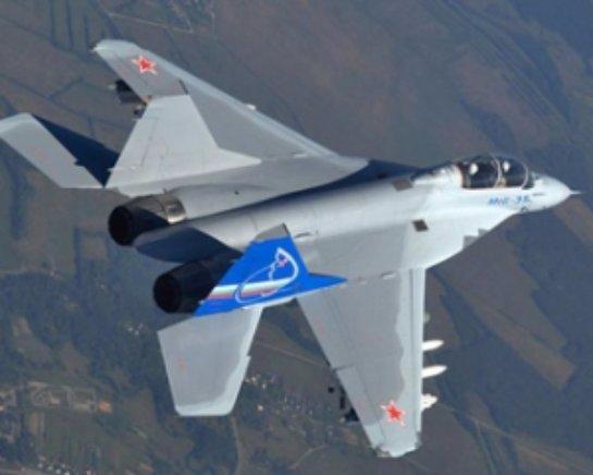 В небе над Луганском замечены российские истребители