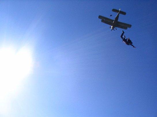 В Италии рухнул самолет с парашютистами на борту