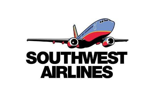 Самолет в США вылетел в кювет со взлетно-посадочной полосы