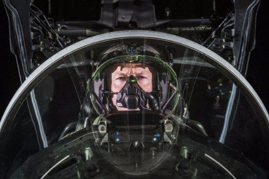 Испытан новейший шлем для летчиков истребителей