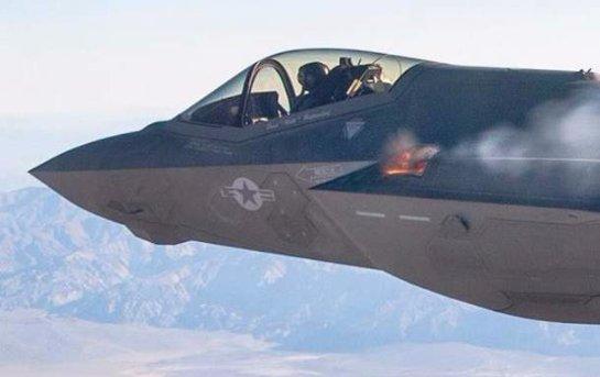 Американцы показали испытания суперсовременного истребителя (Видео)