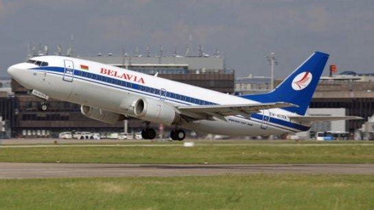 Белорусский самолет при взлете столкнулся со стаей птиц