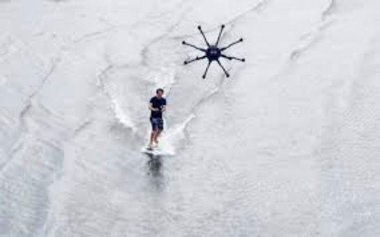 Мультикоптер приспособили для дронсёрфинга