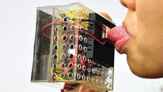 Ученые научились ощущать вкус пищи в виртуальной реальности