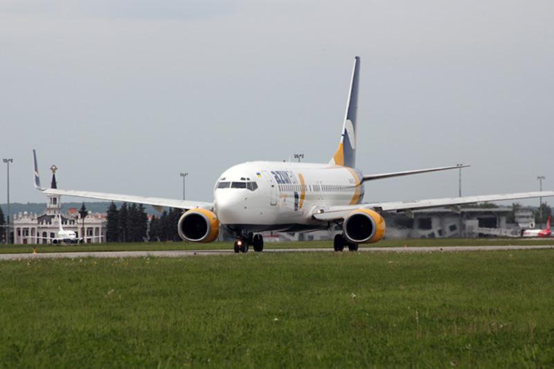 Azur Air Ukraine начала выполнять полеты из Харькова в Барселону