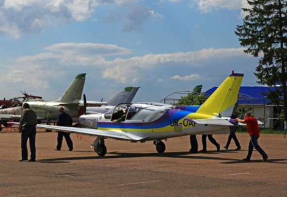 В Одессе испытывают новый самолет Дельфин