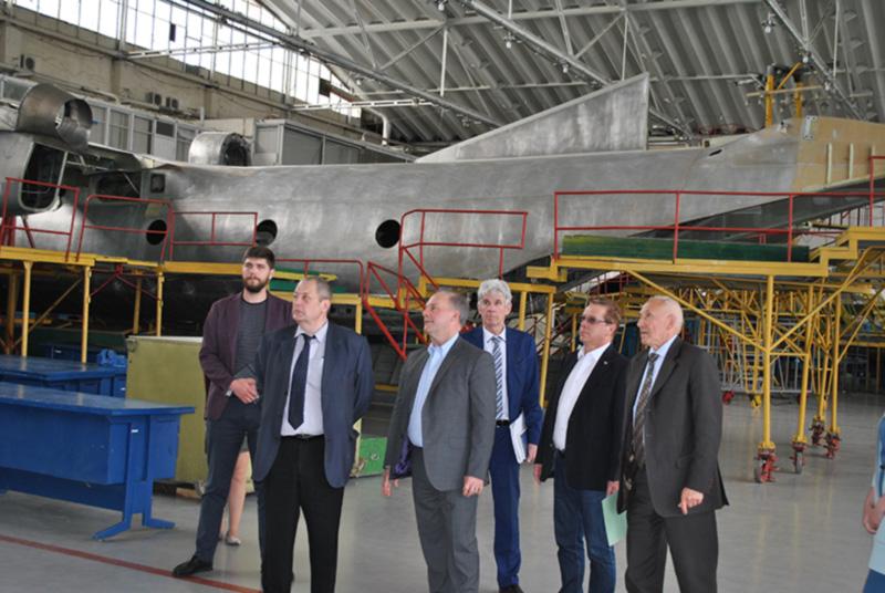 ГП «Завод 410 ГА» посетили представители канадского колледжа и НАУ