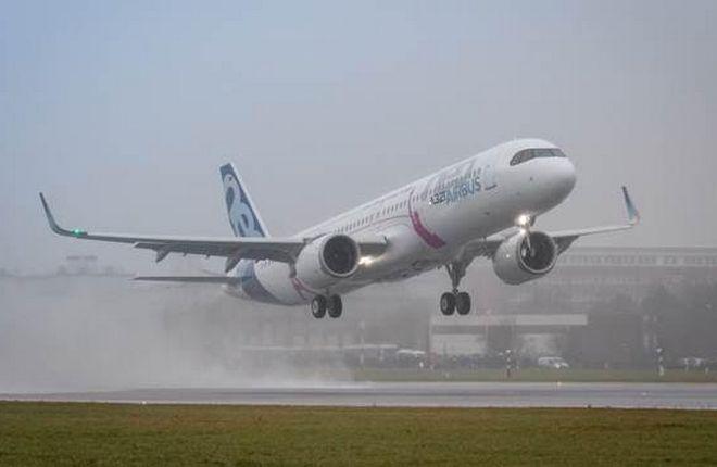 По количеству заказов на Фарнборо Boeing обогнал Airbus