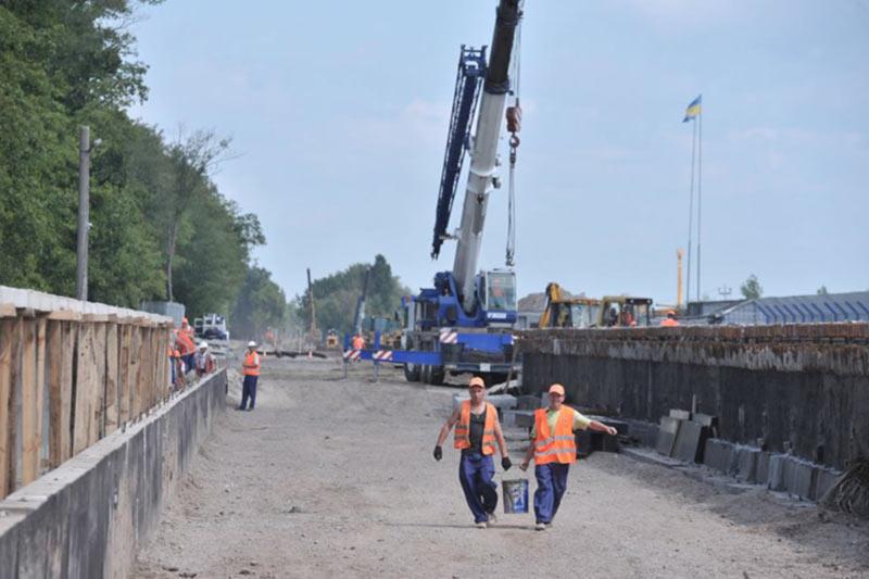 Гройсман проверил строительство ж/д сообщения из Киева в Борисполь