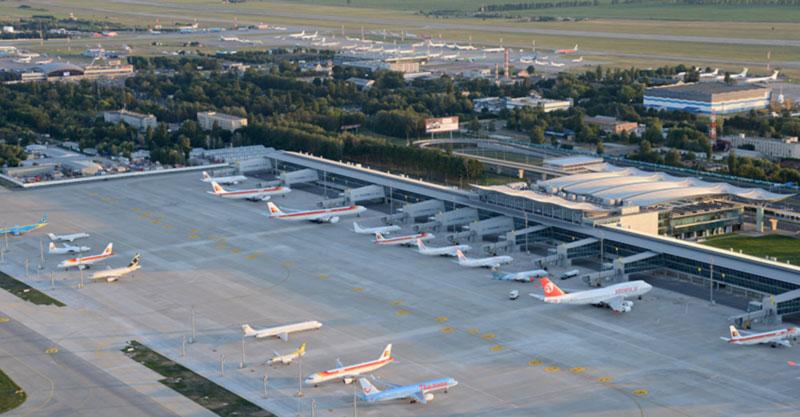 Украинские авиакомпании за 8 месяцев перевезли более 8 миллионов пассажиров