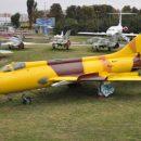 В музее авиации завершают раскраску Су-20