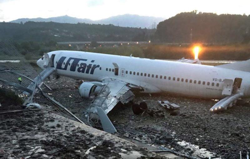 В результате инцидента с самолетом в Сочи пострадали 18 человек