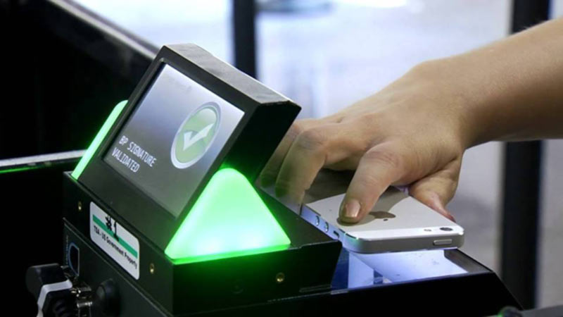 Аэропорт Борисполь одобряет услугу мобильного посадочного талона