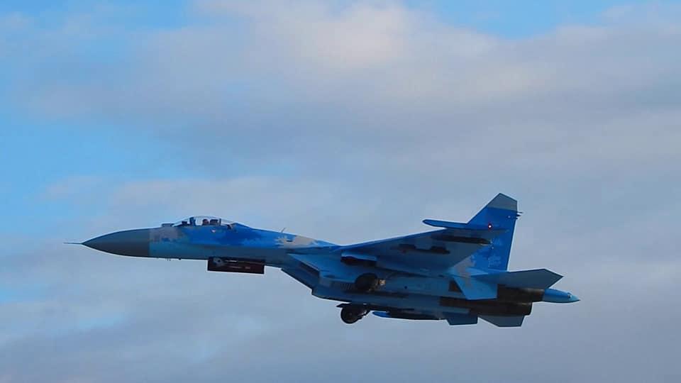 Миргородские летчики-истребители совершенствовали мастерство в сложных метеоусловиях