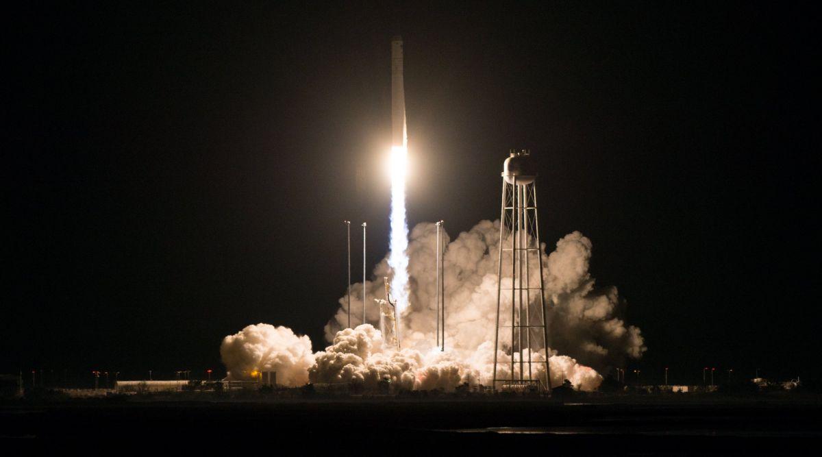 NASA успешно запустило ракету-носитель «Антарес»