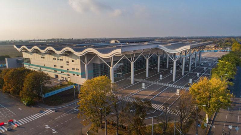 Строительство взлетно-посадочной полосы Одесского аэропорта на финальном этапе