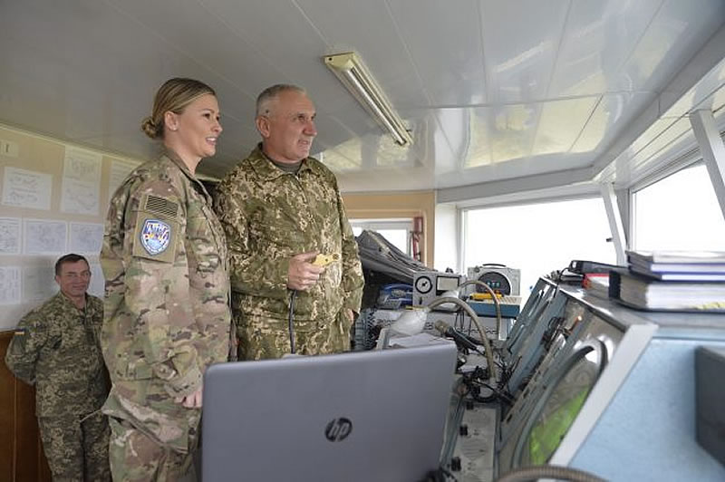 Американка — военный авиадиспетчер творила историю в Украине