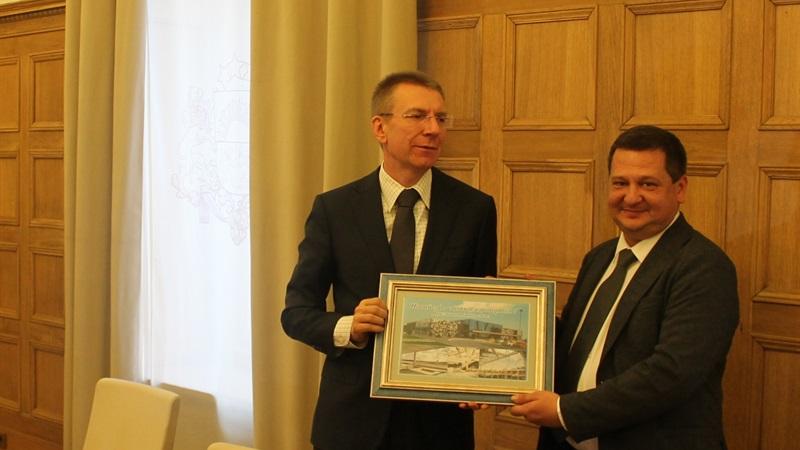 Запорожский аэропорт заинтересовал министра иностранных дел Латвии