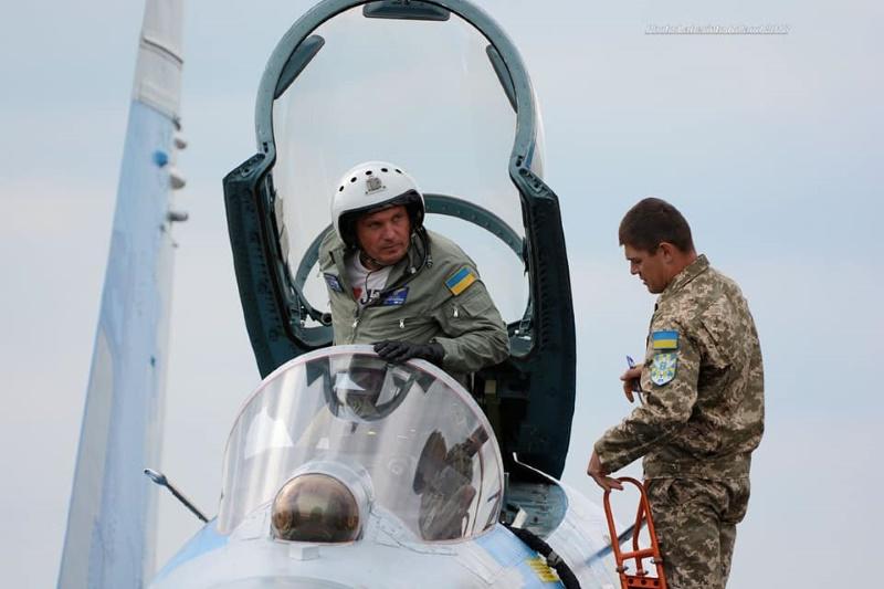 Александр Оксанченко остается верным военной авиации
