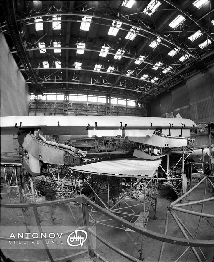 К 30-летию первого полета «Мрии»