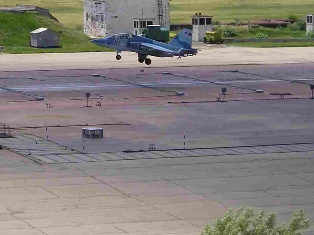 Кто виноват в уничтожении военного аэродрома в городе Чортков?