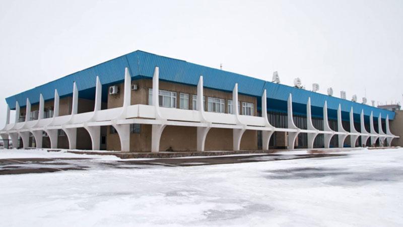В николаевском аэропорту ждут денег от депутатов