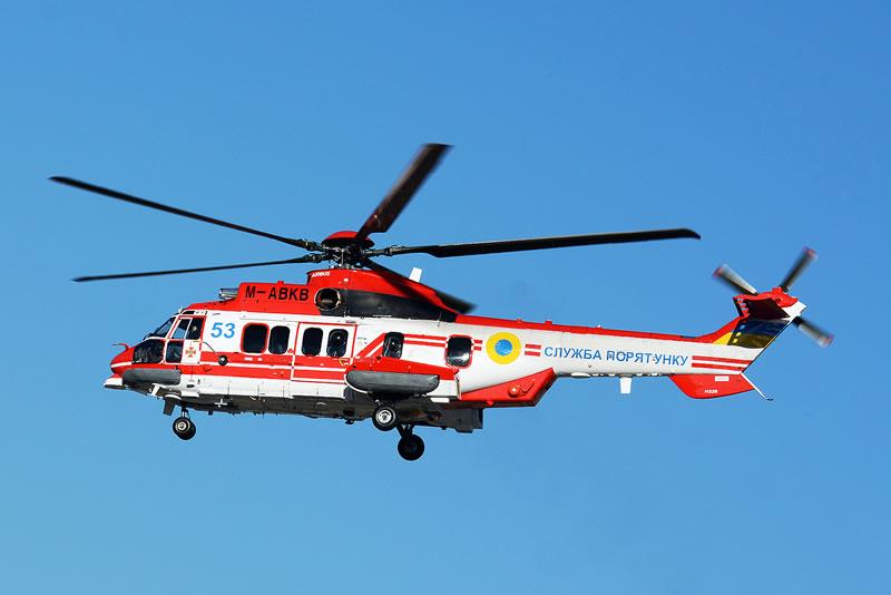 Третий вертолет H225 летит в Украину