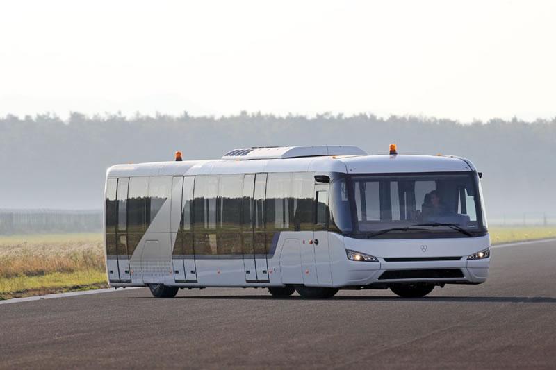 Одесский аэропорт купил автобус для пассажиров