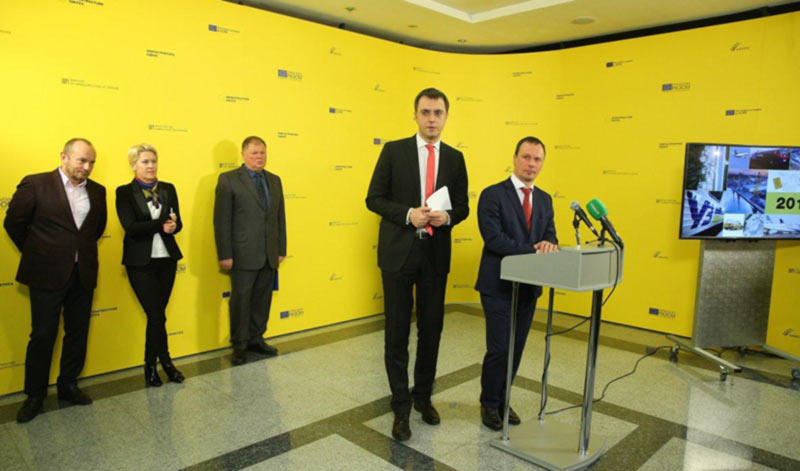Омелян назвал сроки присвоения аэродрому Белая Церковь статуса международного