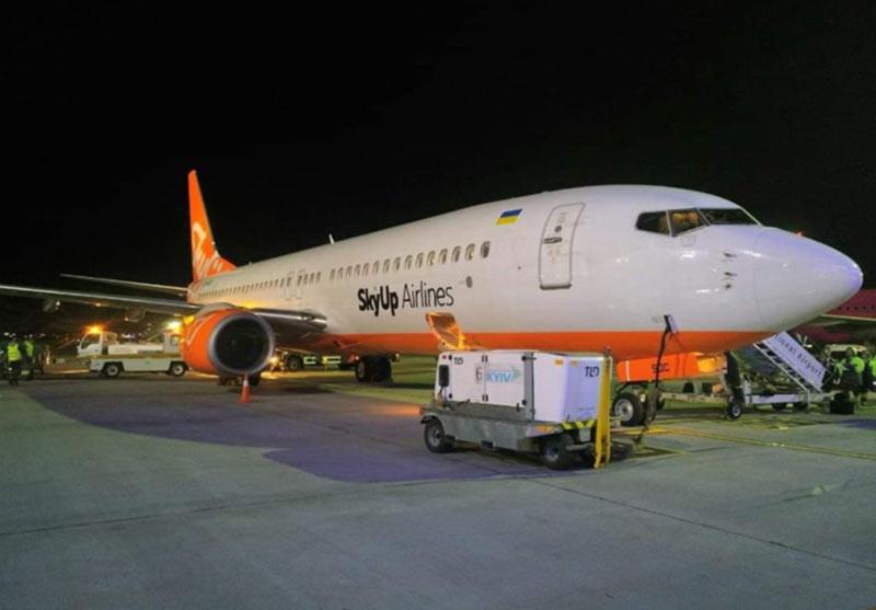 Третий Boeing 737-800 авиакомпании SkyUp в фирменной ливрее