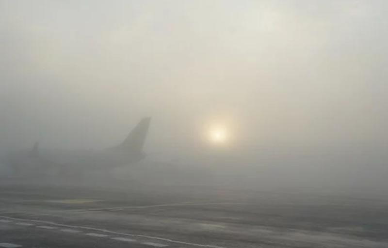 Из-за погодных условий в Украине отменяют авиарейсы